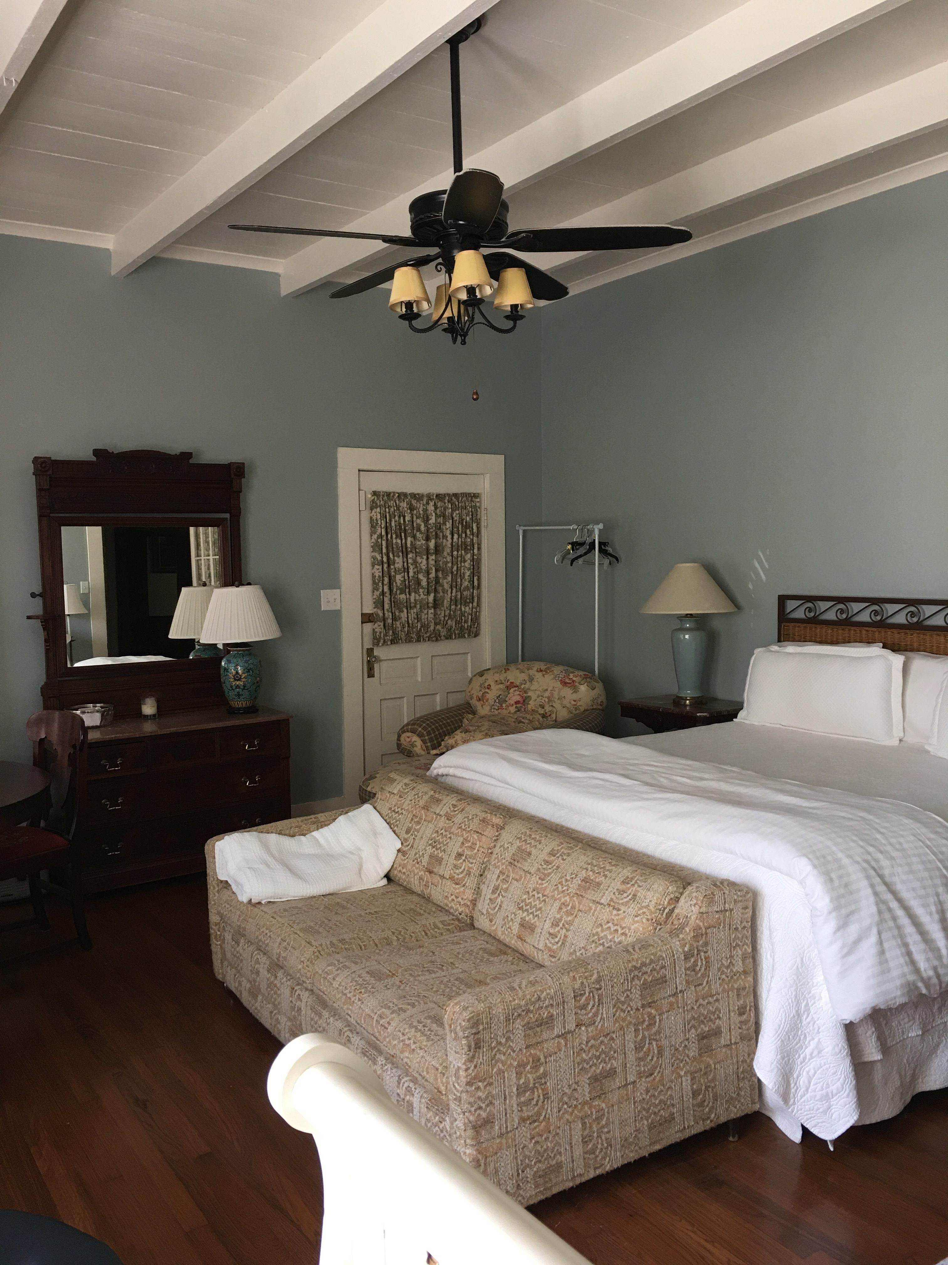 The Creole Cottage offers four cozy and beautiful rooms.
